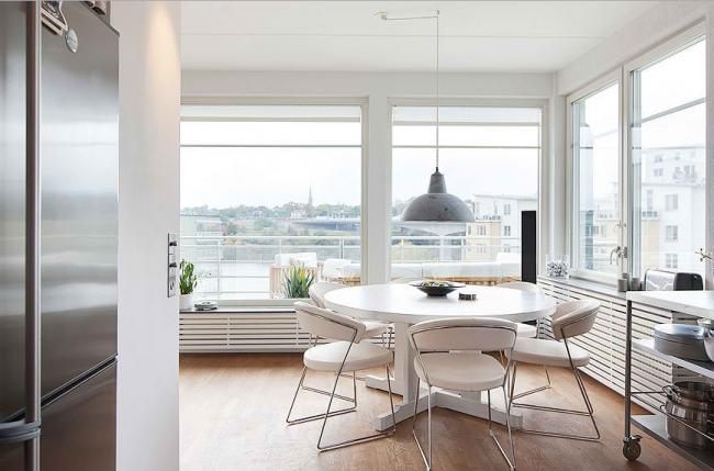 панорамное окно в кухне