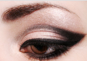 увеличение глаз макияж